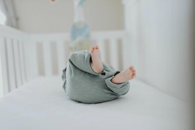 Legendarna nietolerancja laktozy u niemowlaka – czy musisz odstawić swoje dziecko od piersi?